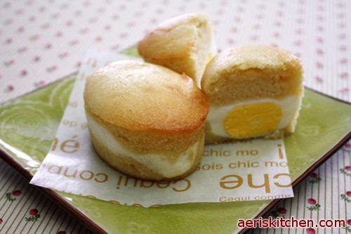 Egg Bread Or Egg Muffins Is Old Fashioned Street Food In Korea It Is Especially Popular In The Cold Winter Freshly Baked Steaming Egg Muffins Will Melt